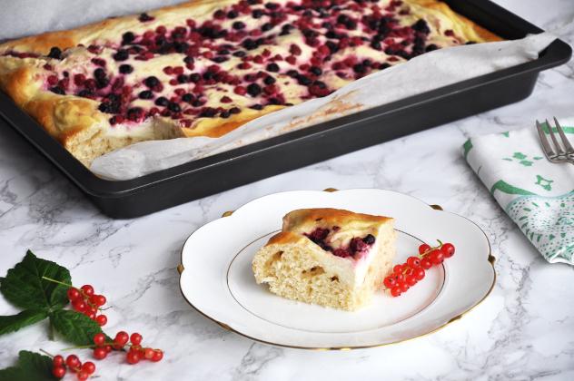 Waldbeer-Cheesecake vom Blech