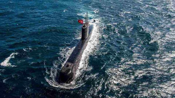 Η Τουρκία βγάζει 11 υποβρύχια σε Αιγαίο και Ιόνιο