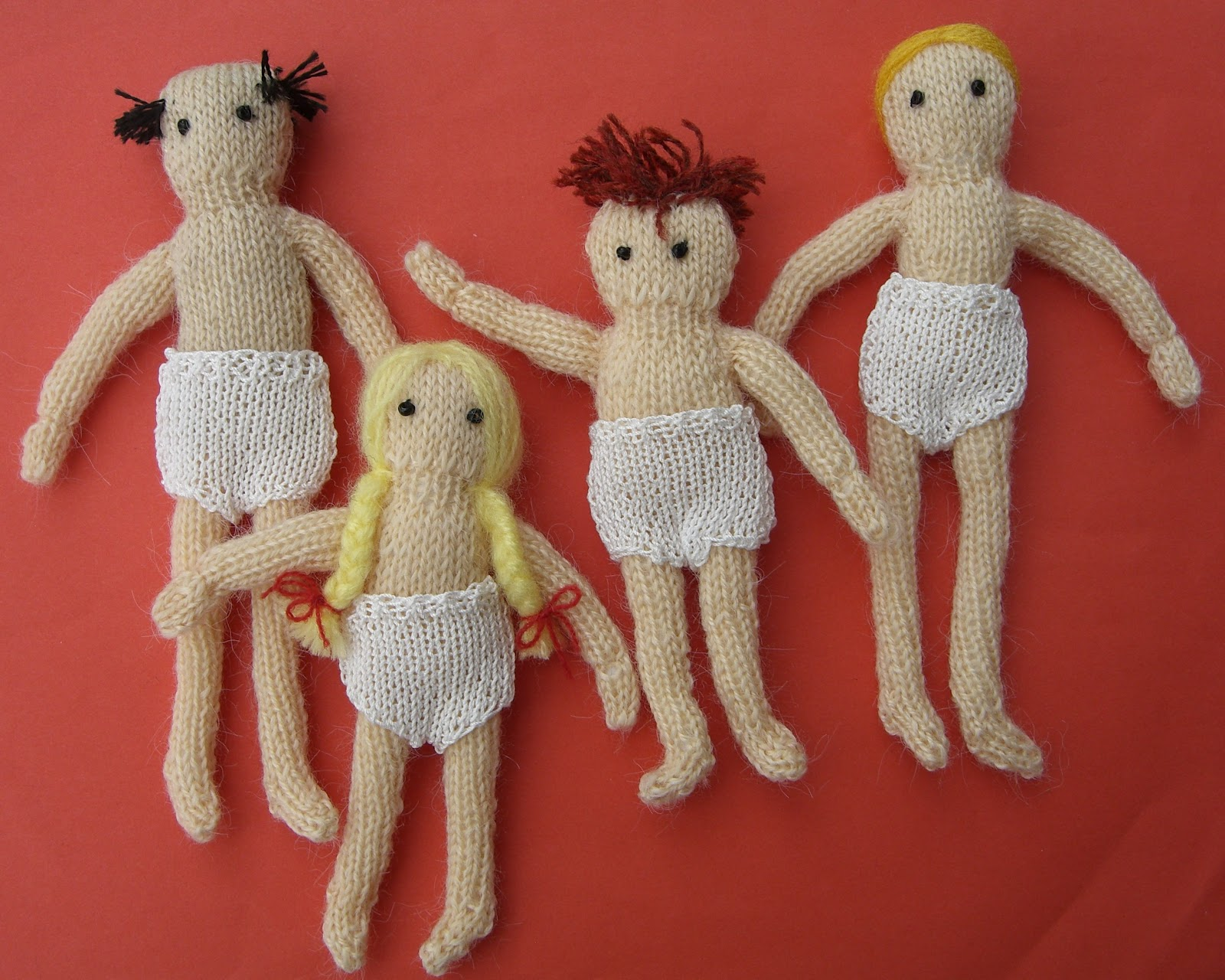 bitstobuy: Free miniature knitting pattern - Dolls house ...
