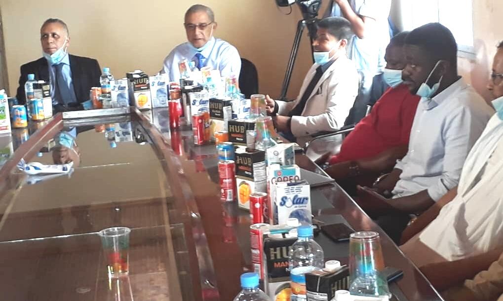 نواذيبو : رئيس الوطنية لحقوق الإنسان يزور اتحادية مصانع البروتينات..صور
