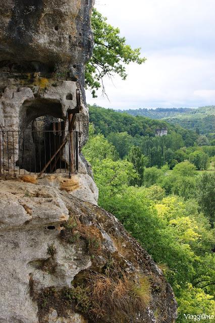 La Valle del Vézère dalla Maison Forte de Reignac