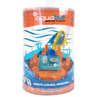 le robot en forme de poisson Aquabot