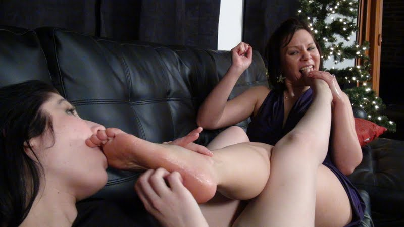 Lesbian tickle time in tight blue jeans 3