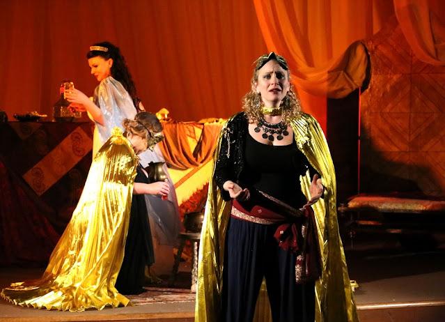 Strauss: Die ägyptische Helena - Justine Viani, Natasha Elliott, Luci Briginshaw - Fulham Opera (Photo Matthew Coughlan)