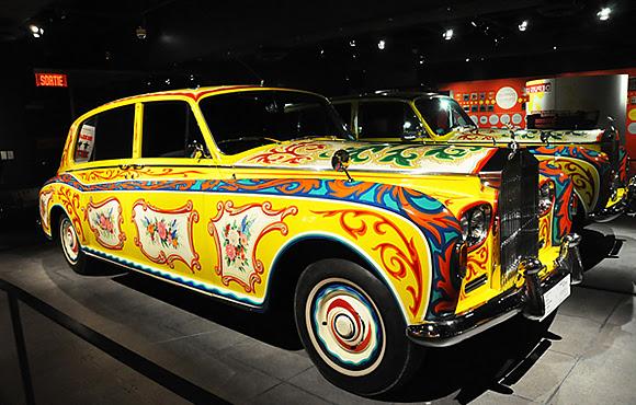 La Rolls-Royce de John Lennon au musée Pointe-à-Callière de Montréal