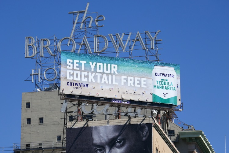 Set cocktail free Cutwater Spirits billboard