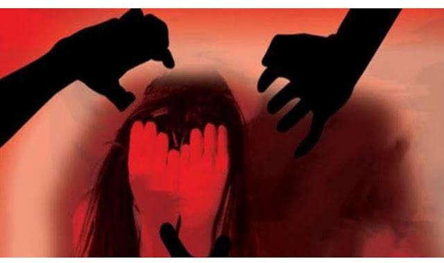 हरियाणाच्या गुरुग्राममध्ये पोलिसांचा अमानुष चेहरा पुन्हा एकदा समोर आला आहे जेथे पोलिस स्टेशनमध्ये आसाममधील एका महिलेला पकडून मारहाण करण्यात आली