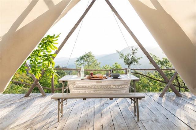 Una preciosa cabaña de tela y madera chicanddeco
