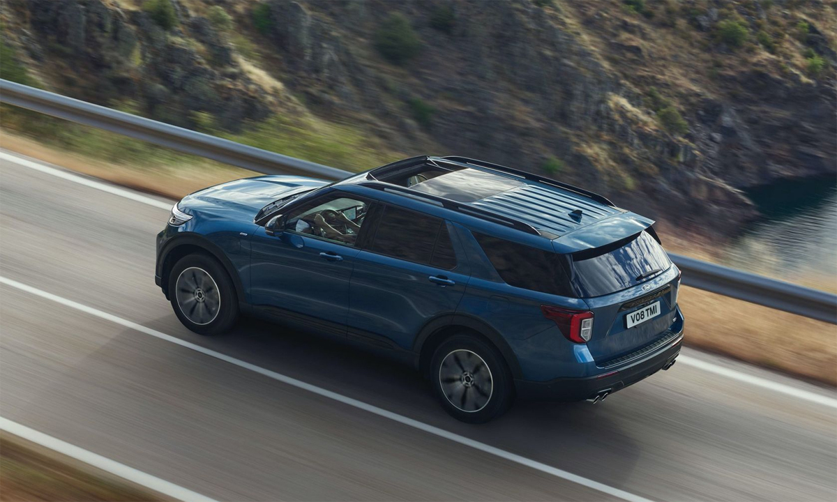 Ford Explorer PHEV - SUV hybrid giá từ 82.000 USD