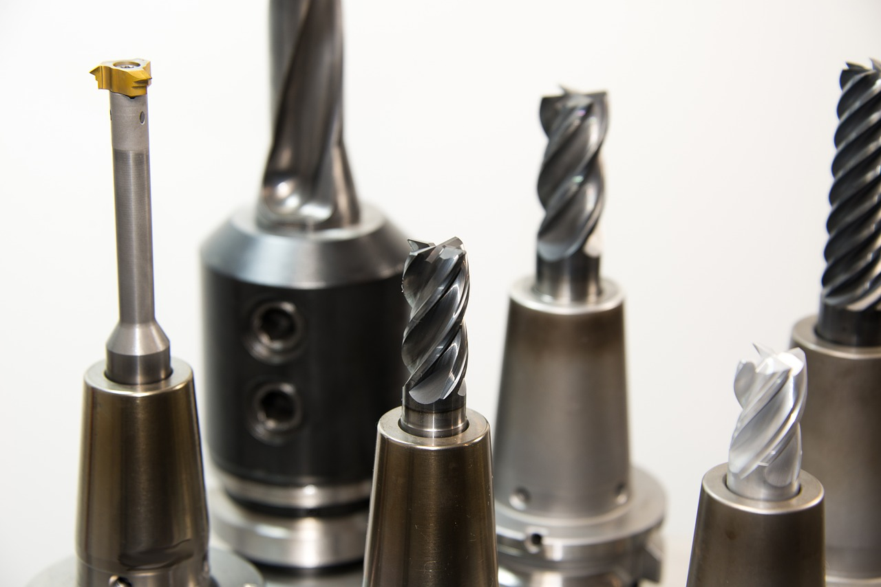 A Guide to Choosing the Right End Mills