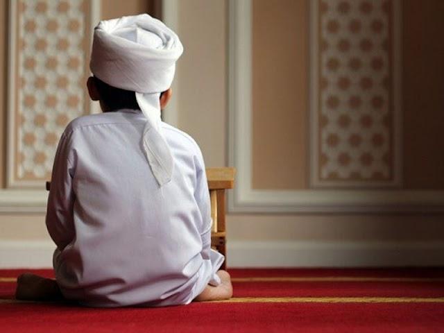 Kewajiban Memerintahkan Anak Berjama'ah