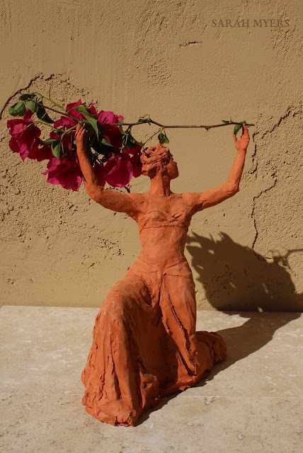 sculpture, terracotta, kneeling, woman, sarah, myers, red, clay, dance, figure, arte, escultura, figurative, classic, human, lady, poise, earthenware, orange, flowers, front, angle, view