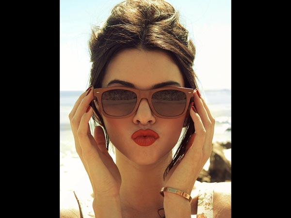 deepika-padukone-lips-beautiful-image