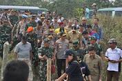 Kapolri Bersama Panglima TNI Tinjau Karhutla di Pelalawan