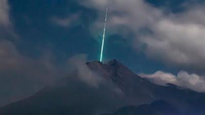 meteorito_volcan_merapi