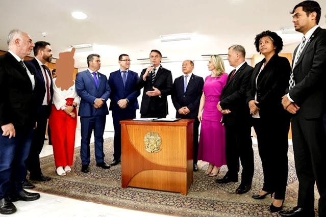 Bolsonaro se reúne com bancada de RO para tratar sobre transposição de servidores