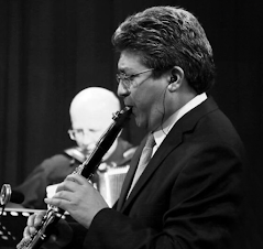 Clarinetista Valdemar Rodriguez solista con orquesta en Venezuela. Comunidad Clariperu