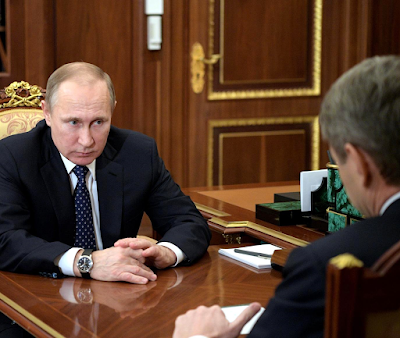 Putin at the meeting with Agriculture Minister Alexander Tkachev.