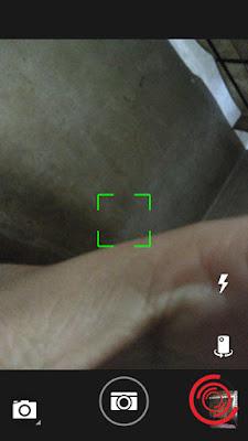1. Langkah pertama jika flash di HP tidak mau menyala silakan kalian buka aplikasi Kamera dan buka Pengaturan Kamera