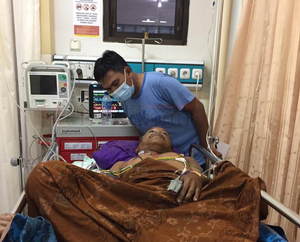 Diduga Karena Asmara, Seorang Kakek di Desa Penawungan Dibacok