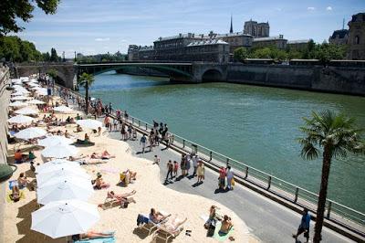 Pantai Yang Rare di Tepi Sungai Paris
