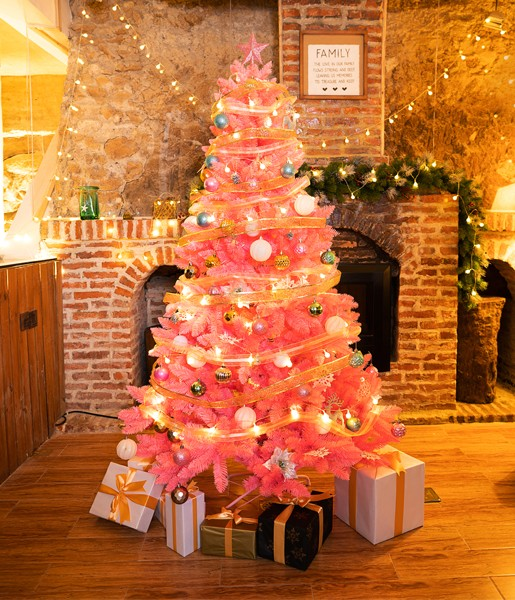 pink-and-silver-christmas-tree