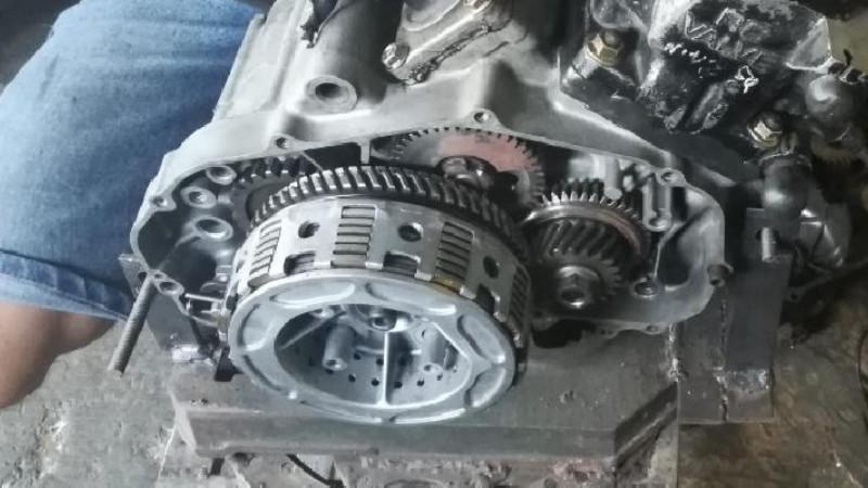 foto mesin motor Honda NSR 150