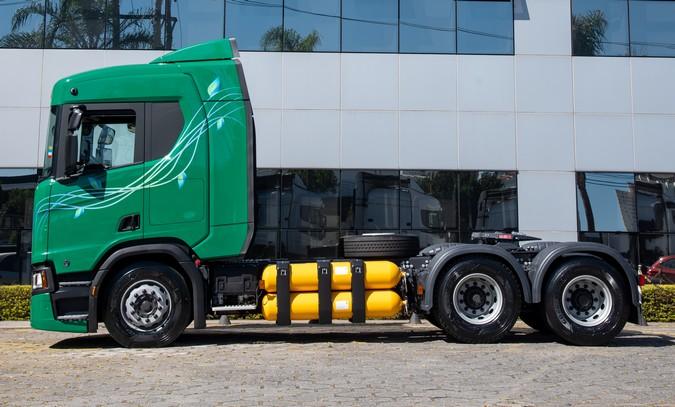Conheça 5 detalhes que tornam os caminhões a gás Scania mais seguros que os modelos a diesel