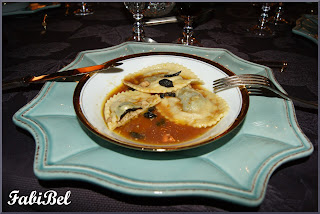Ravioles with foie gras and truffles, Porto sauce