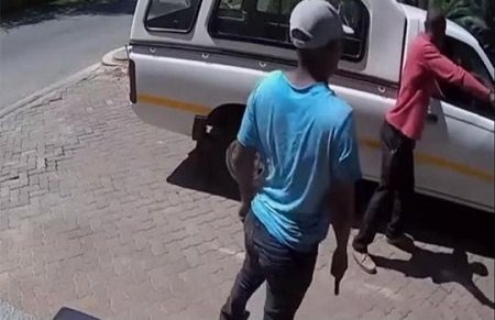 Omg! Watch Terrifying Video Where Gunmen Rob a Man Shortly After He Withdrew Money from the Bank