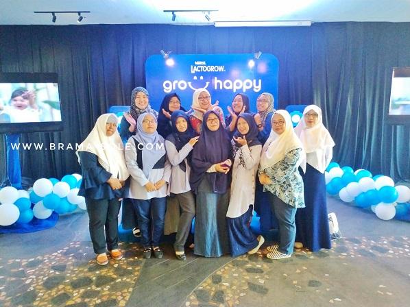 Emak-emak blogger Semarang yang semoga selalu bahagia dalam membersamai tumbuh kembang anak-anaknya.