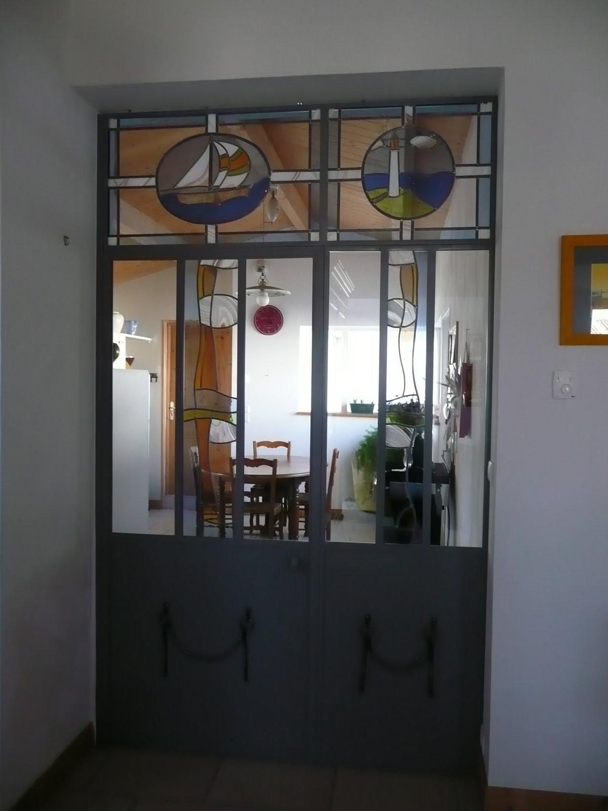 des id es en verre vitraux contemporains sur le th me de la mer. Black Bedroom Furniture Sets. Home Design Ideas