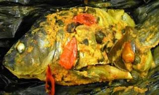 Pepes Ikan Mas Bumbu Iris Khas Sulawesi Utara