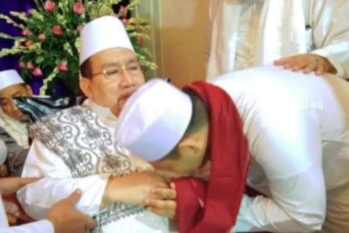 Habib Ali bin Abdurrahman Di Mata Muridnya: Beliau Guru Sekaligus Orang Tua
