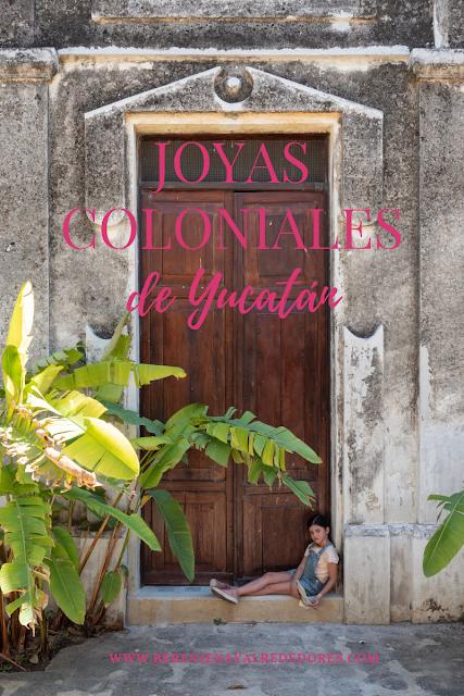 """Niña sentada frente a una puerta con palmeras y el texto """"Joyas coloniales de Yucatán"""""""