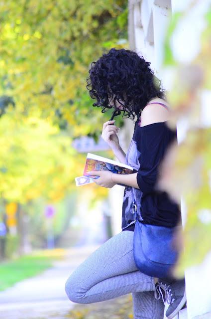 Włosowa Aktualizacja | loki | włosy | kręcone | czarne | książka | jesień