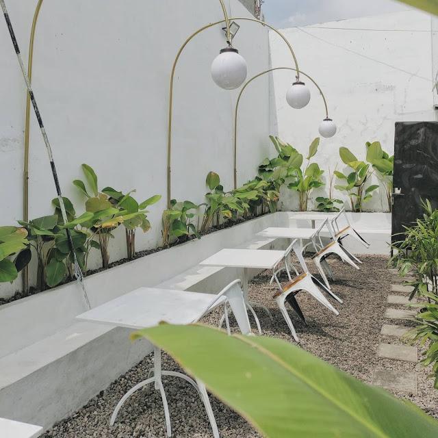 Summer Z Cafe Prapen