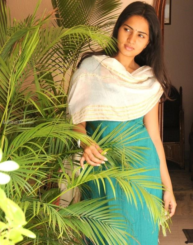 Actress SrushtiDange Latest Photos