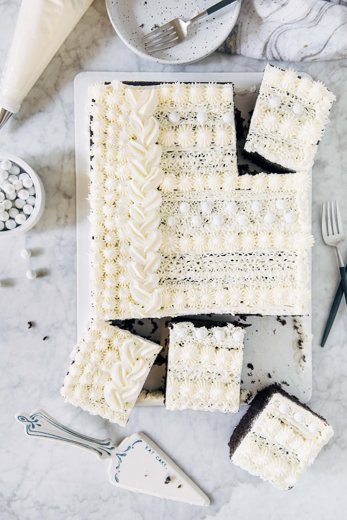 holiday sweater cake