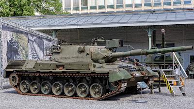 Les véhicules blindés (et pas que) du Musée Royal de l'Armée DCD_Muse%25CC%2581e%2BRoyal%2Bde%2Bl%2527Arme%25CC%2581e-Le%25CC%2581opard_01