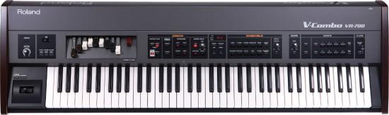 dan organ Roland VR-700