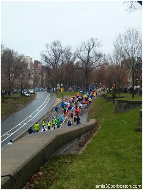 Corredores durante la Maratón de Boston