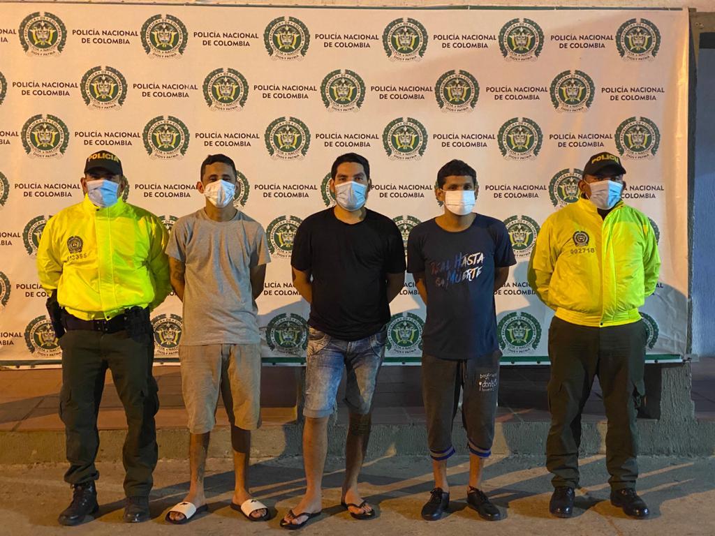 https://www.notasrosas.com/Policía Nacional captura en Maicao, a integrantes de 'El Combo del Bemba'