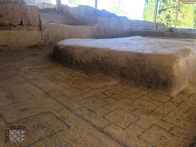 Pavimentos musivarios de la estancia del triclinium de la villa romana de El Ruedo