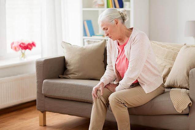Bài thuốc đông y trị đau nhức khớp cho người cao tuổi