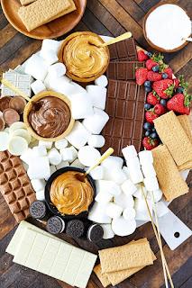 S'Mores Dessert Board - DESSERT CHARCUTERIE BOARD