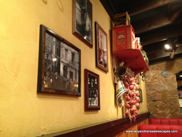 Decors at Carinos