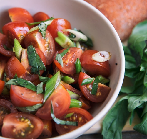 healthy basil tomato salad recipe