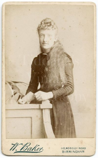 Kristin Holt | Sources of Victorian-era FALSE HAIR. Cabinet Card image from Pinterest.