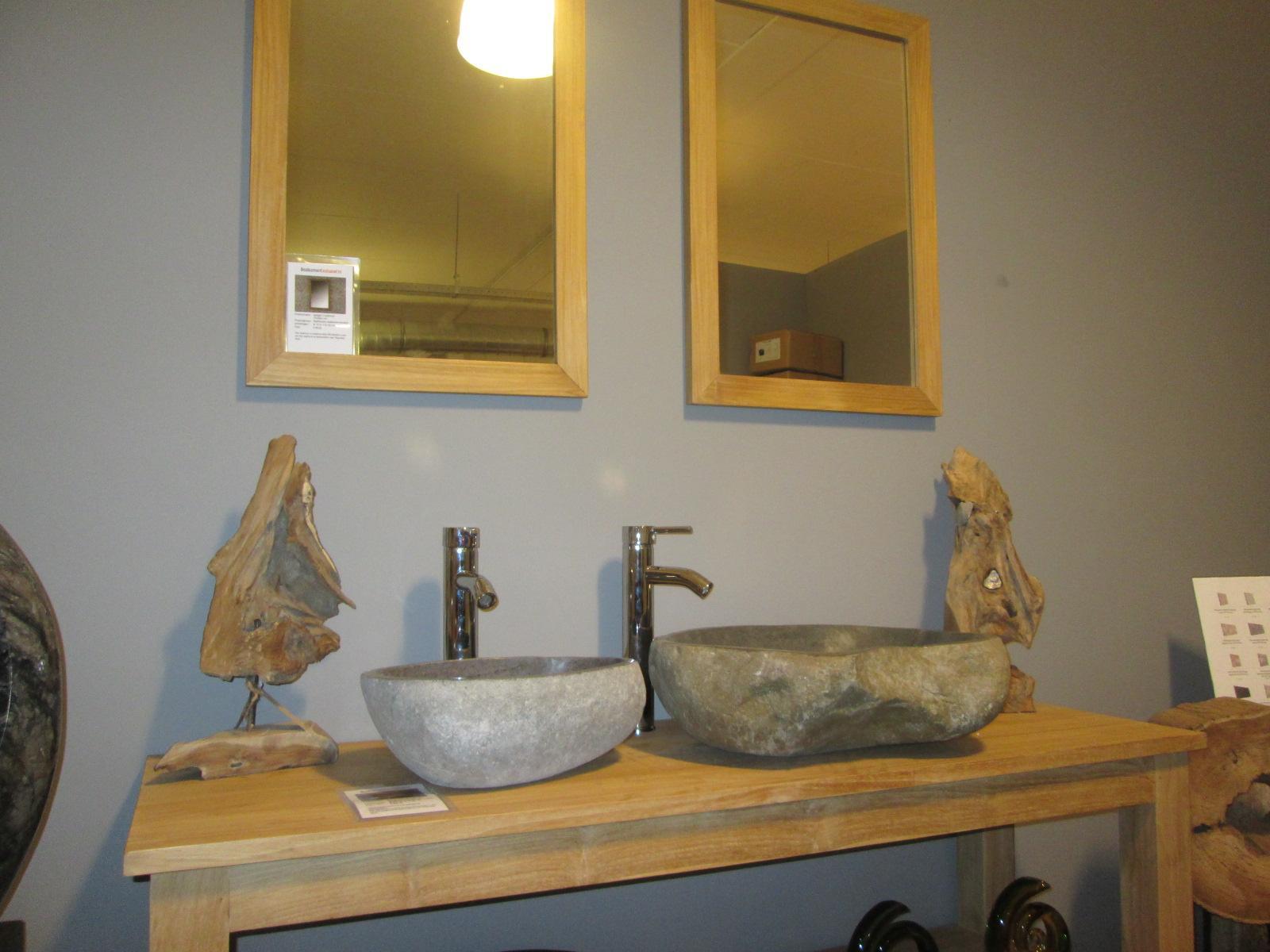 onderscheidende badkamermeubels uit teakhout en mindyhout